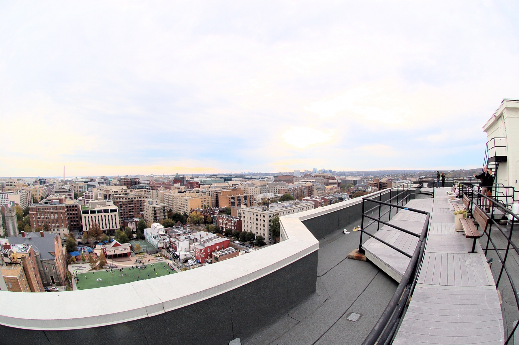 1615QStNW907-19-RoofdeckView